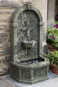 Classic Shell Outdoor Wall Fountain